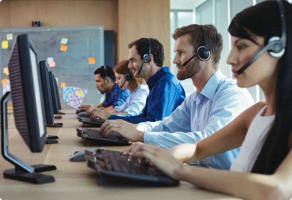 Remote proctoring support agents on computers assisting users